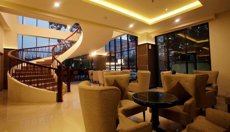 Saka Hotel Premiere by LA'RIZ Medan - Area Publik