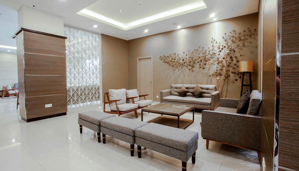 Saka Hotel Premiere by LA'RIZ Medan - Lobi