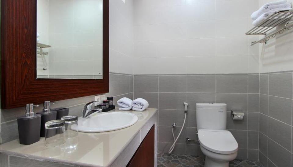 LOTUS Tirta Seminyak  Bali - Kamar mandi