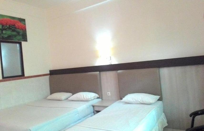 Hotel Surakarta 1 Tulungagung - Kamar tamu
