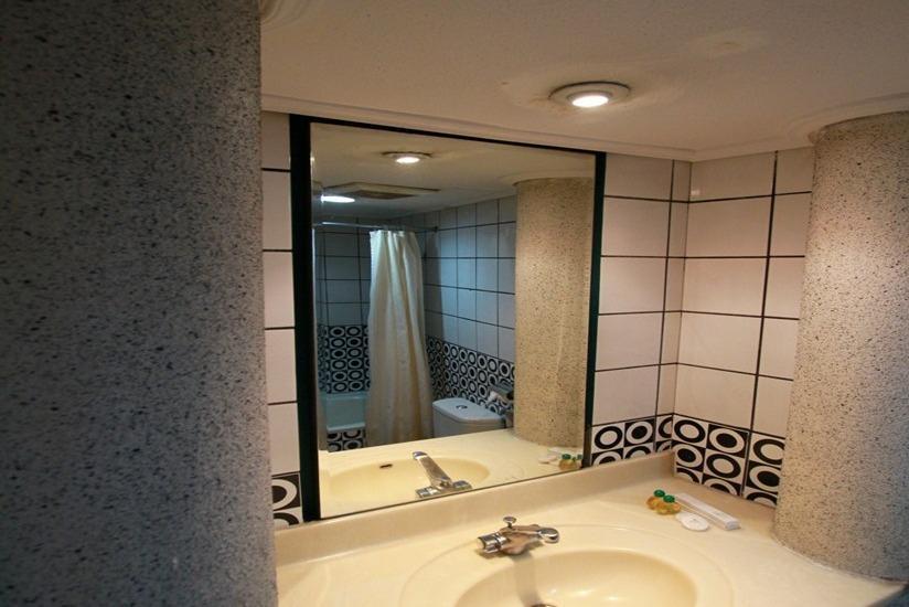 Hotel Grand Kalimas Surabaya - Kamar mandi