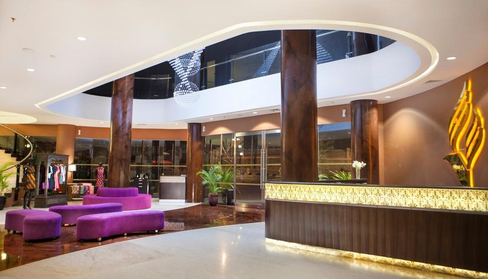 Grand Edge Hotel Semarang - Hotel Lobby