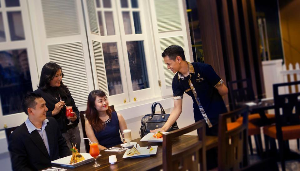 Grand Edge Hotel Semarang - Sri Katon Resto