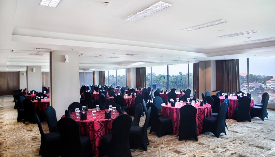 Grand Edge Hotel Semarang - Meeting Room