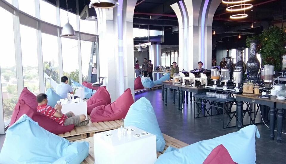 Grand Edge Hotel Semarang - Bleu Sky Resto-Lounge-Bar