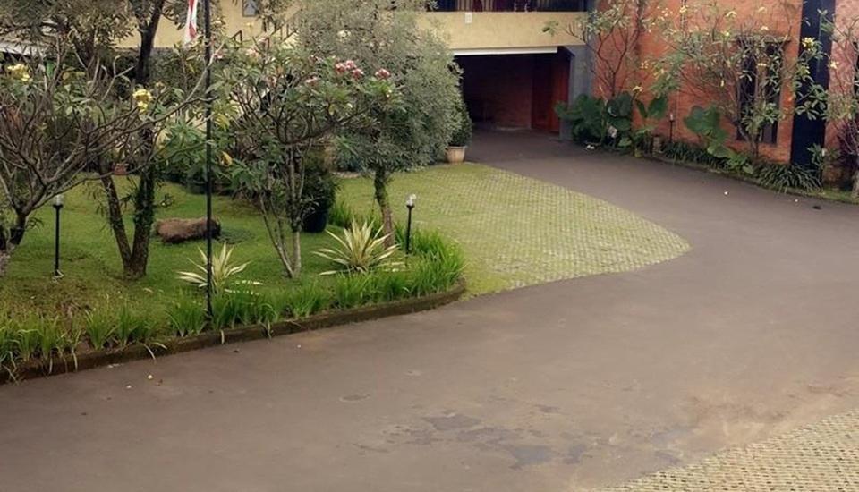 Kyriad Bukit Gumati Bogor - Main Entrance