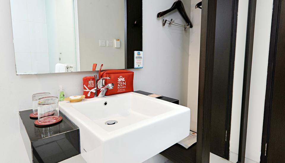 ZEN Premium Soepomo 100 Jakarta - Kamar mandi