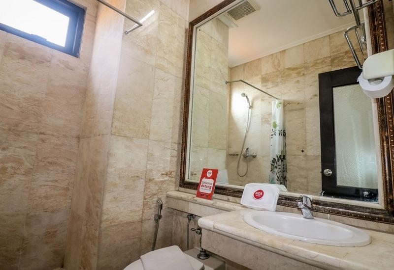 NIDA Rooms Semampir Tanjung Perak - Kamar mandi