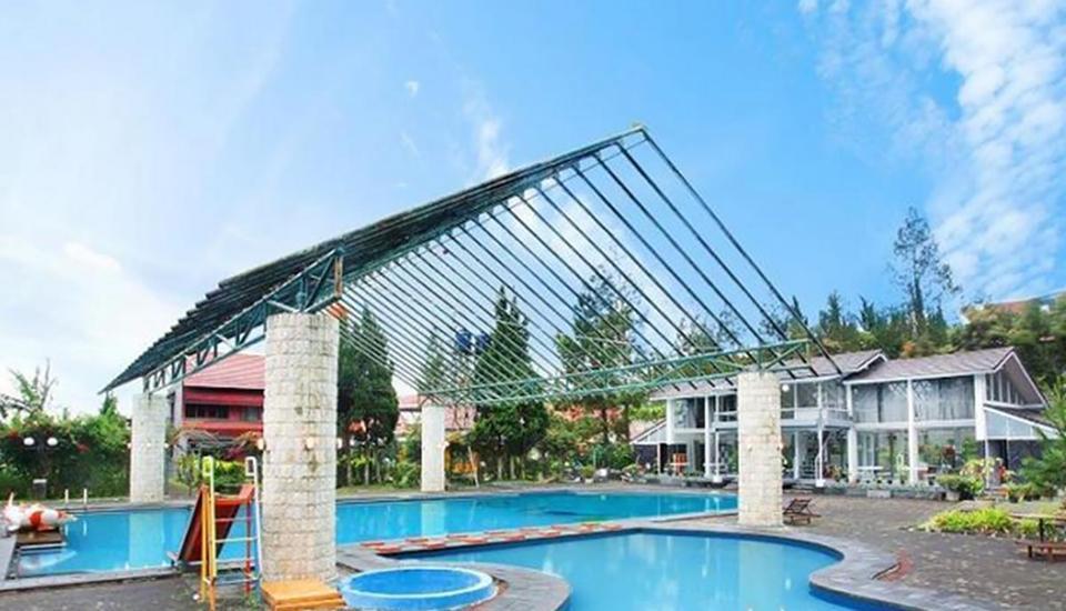 Villa Lavender Istana Bunga Lembang Bandung - Kolam Renang