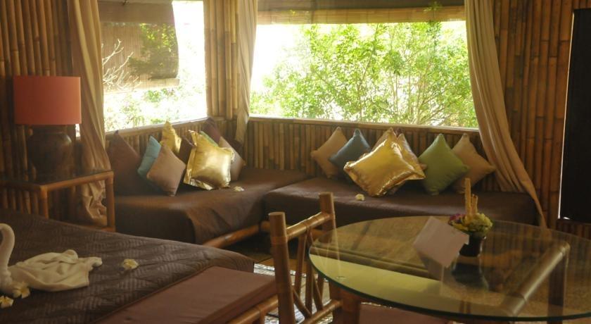 La Taverna Hotel Bali - Ruang tamu