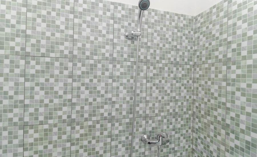 RedDoorz Plus near Palembang Square Mall Palembang - Bathroom
