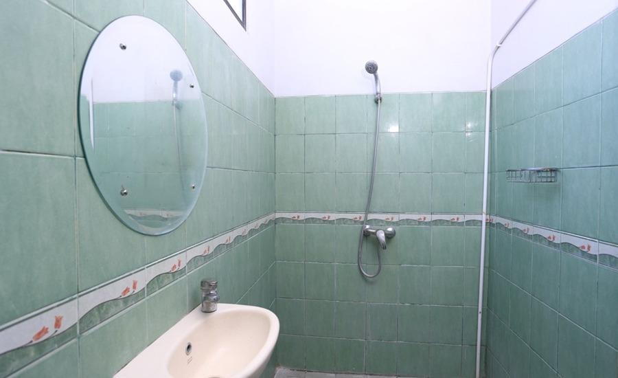 RedDoorz @Hangtuah Renon Bali - Kamar mandi
