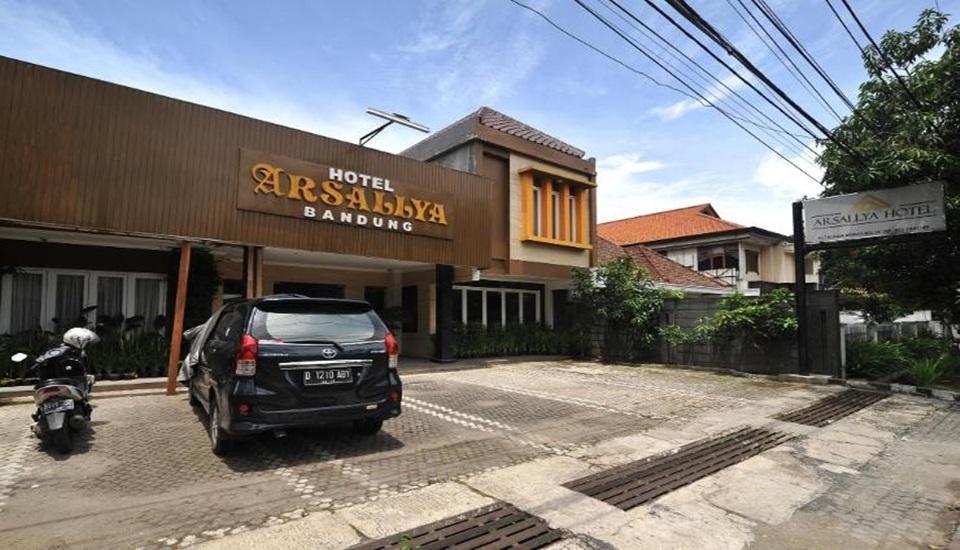Arsallya Hotel Bandung - Exterior