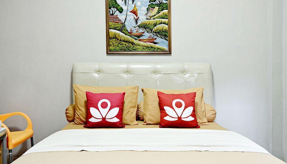 ZenRooms Sabana Urip Sumoharjo Yogyakarta - Tampak tempat tidur double