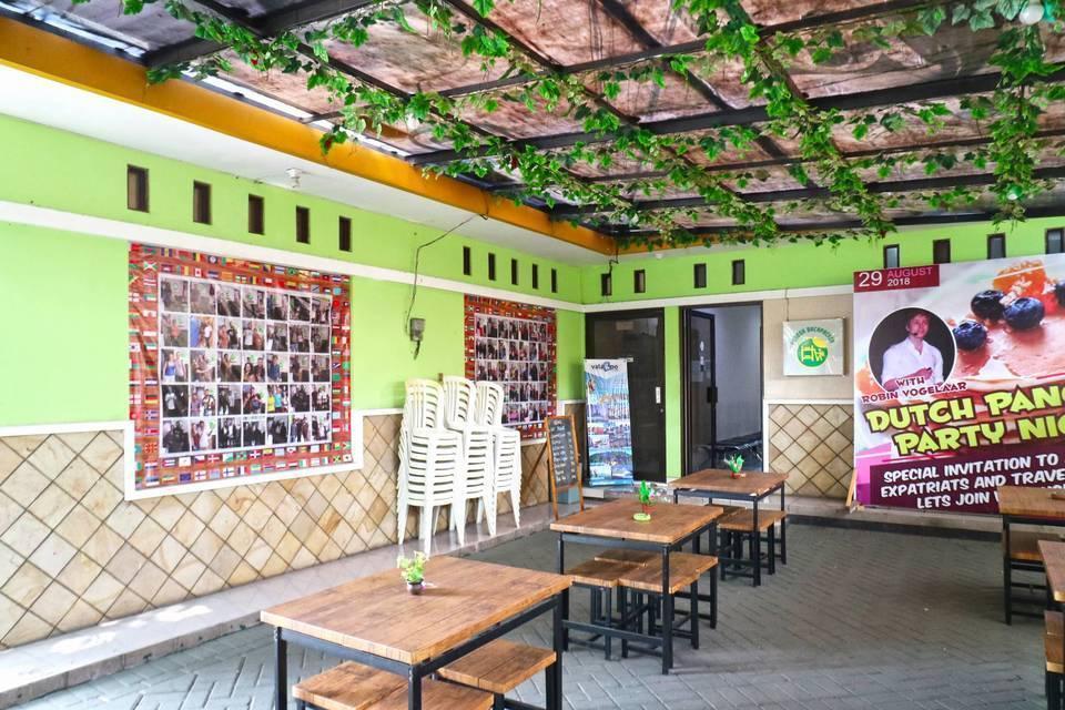 Pondok Backpacker Hostel Malang - Terrace
