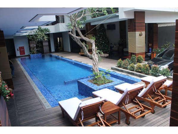 Ping Hotel Seminyak - Kolam Renang