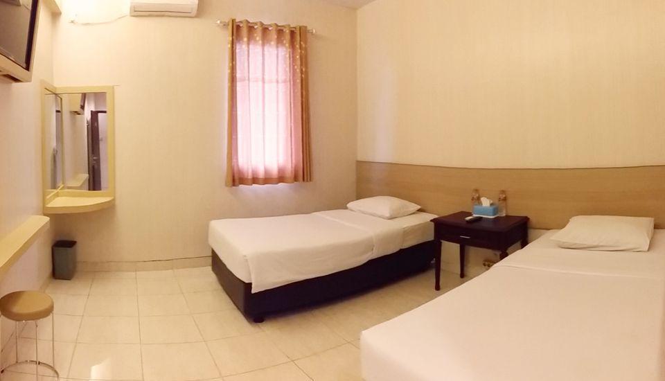 Malioboro Palace Yogyakarta - Twin Bed Room