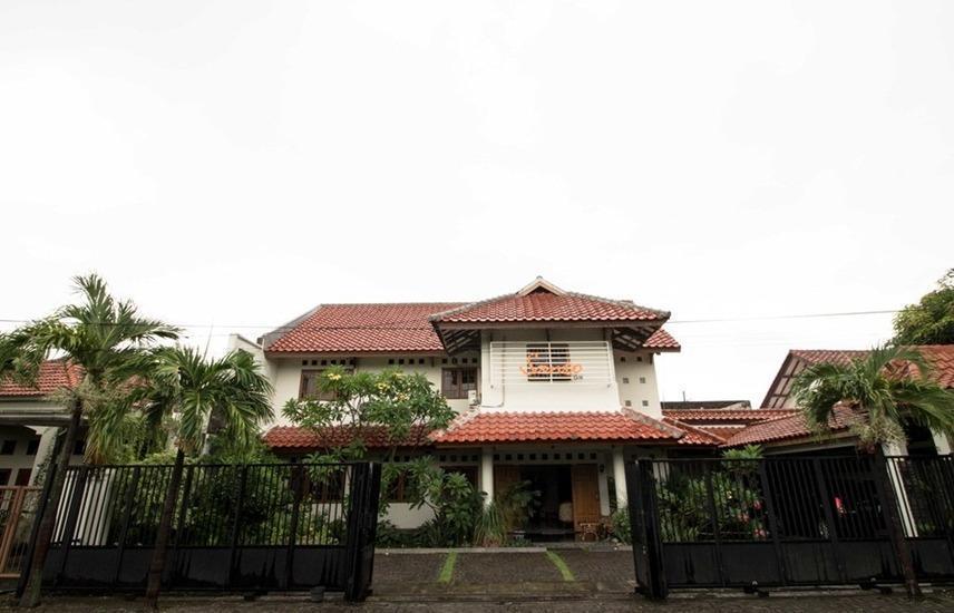 RedDoorz near Juanda Airport T1 Surabaya - Eksterior