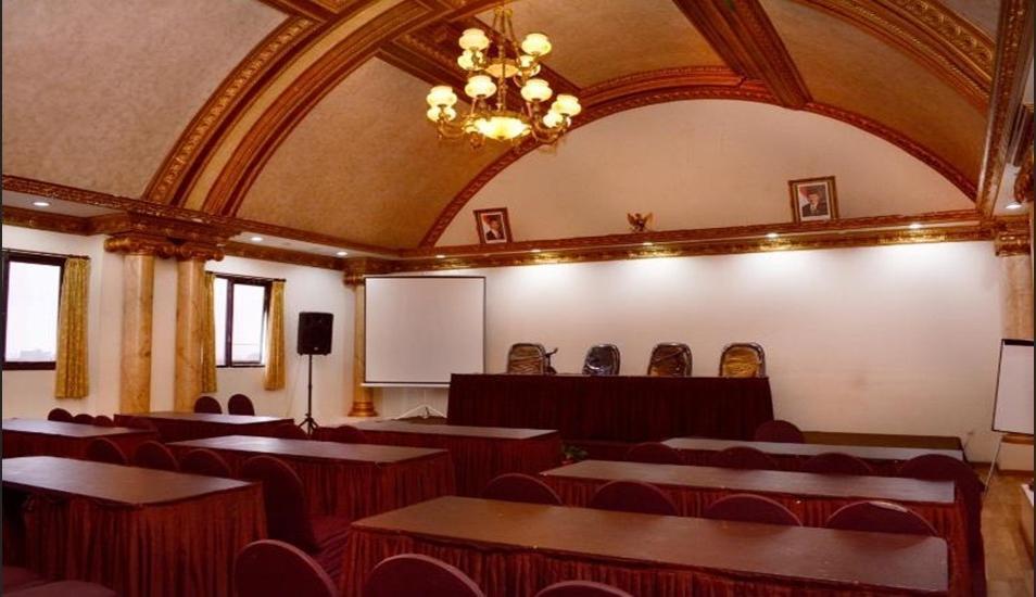 Horison Express Quds Royal Surabaya - Meeting Room
