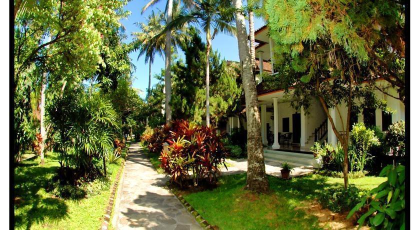 Hotel Puri Saron Senggigi -  Taman