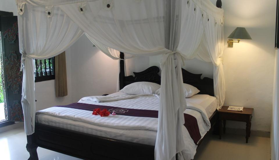 Hotel Puri Saron Senggigi - Deluxe Room New Years Gift
