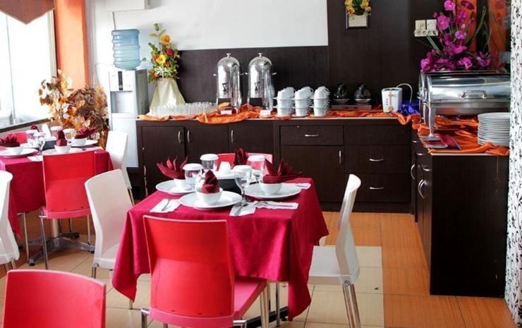 Hotel Dharma Utama Pekanbaru - Restaurant