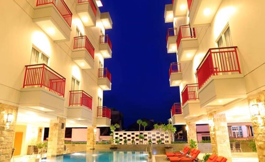 Lombok Plaza Hotel & Convention Cakranegara - Kolam Renang