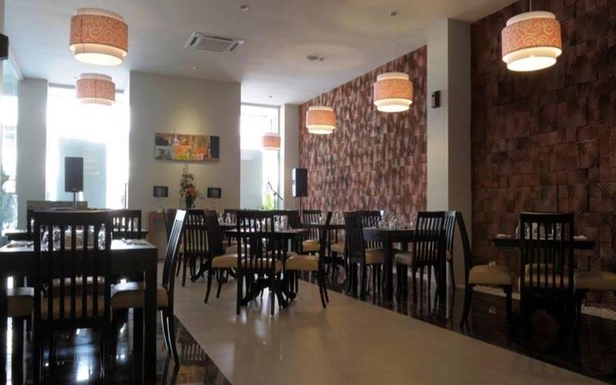 Lombok Plaza Hotel & Convention Cakranegara - Ruang makan