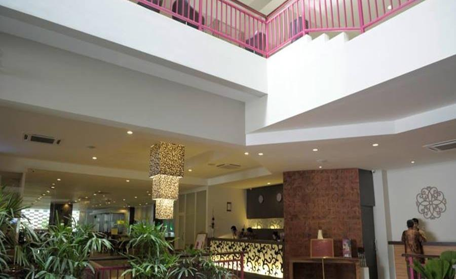 Lombok Plaza Hotel & Convention Cakranegara - Interior