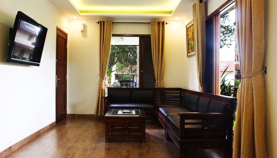 Sangga Buana Hotel Cianjur - ruang tamu bungalow
