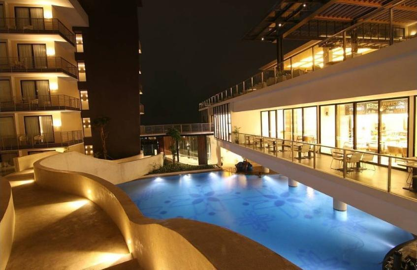 Golden Tulip Holland Resort Batu Malang - Pool