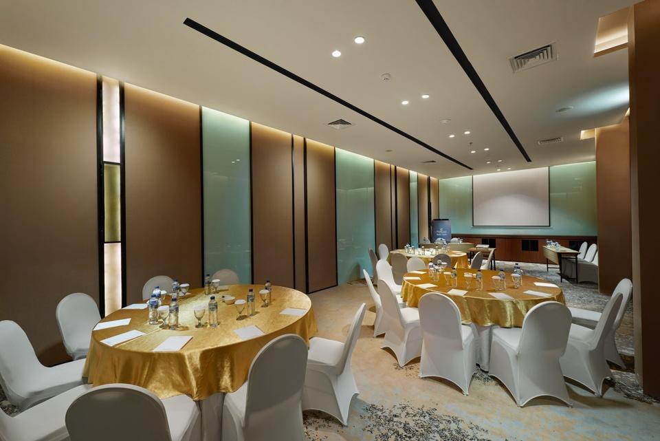 Golden Tulip Holland Resort Batu Malang - Meeting Room