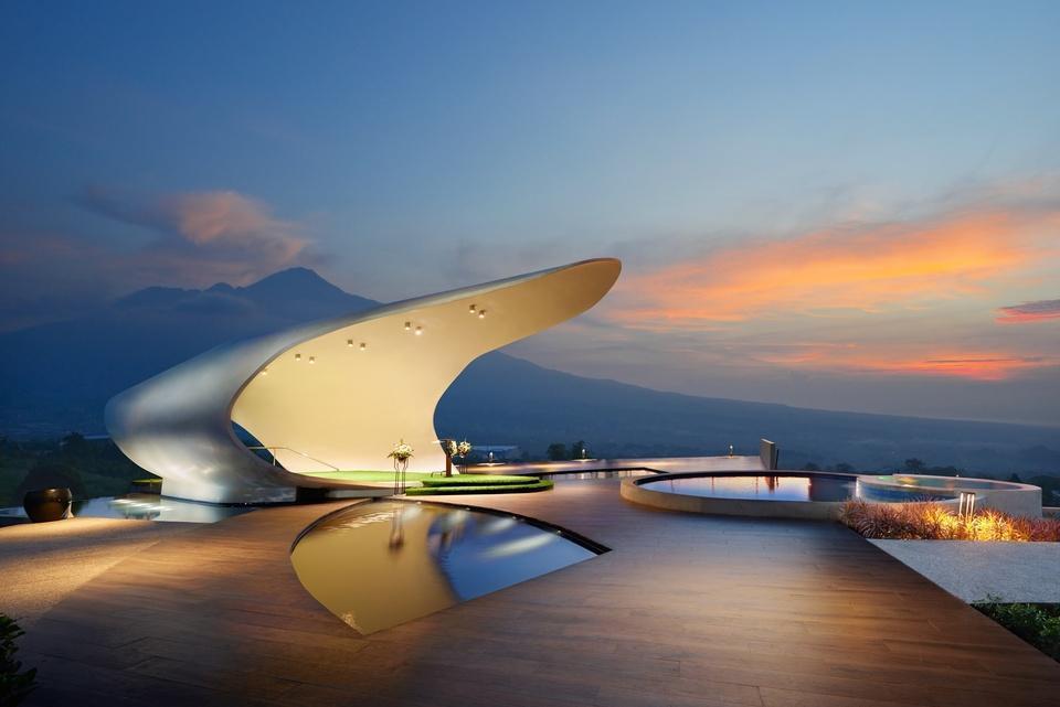 Golden Tulip Holland Resort Batu Malang - Chapel