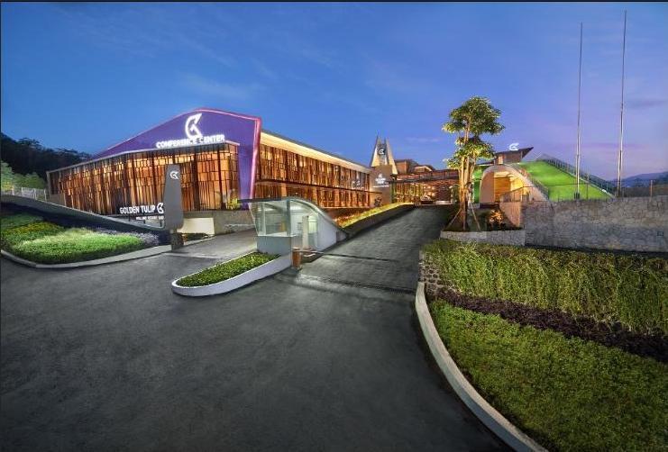 Golden Tulip Holland Resort Batu Malang - Tampak Depan