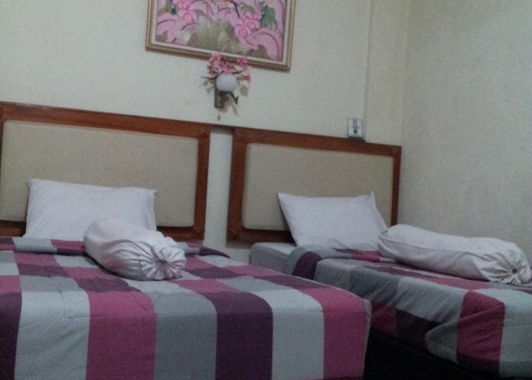 Horton Hotel Cirebon - Deluxe (21/July/2014)