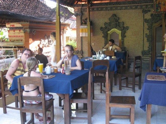 ADUS Beach Inn Bali - Restoran
