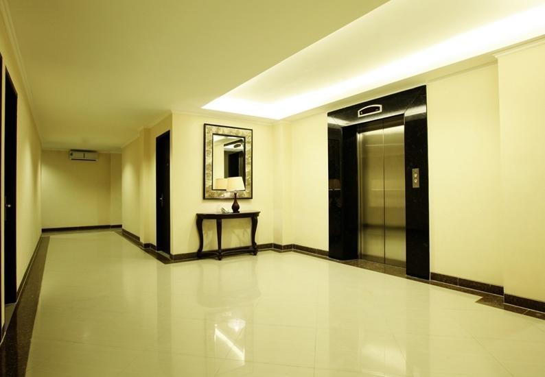 Nite and Day Jakarta Roxy Jakarta - Koridor