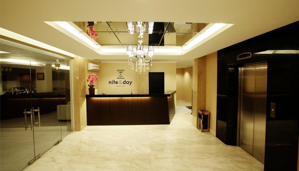 Nite and Day Jakarta Roxy Jakarta - Lobi