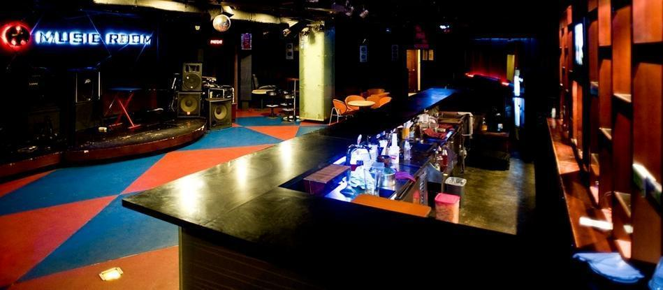 The Sunan Hotel Solo - Music Room
