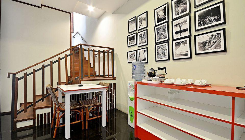 ZenRooms Kemang Pejaten - Interior Hotel