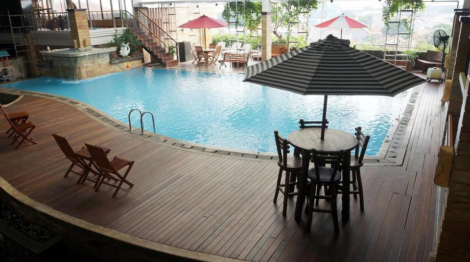Hotel Asri Cirebon Cirebon - Kolam Renang