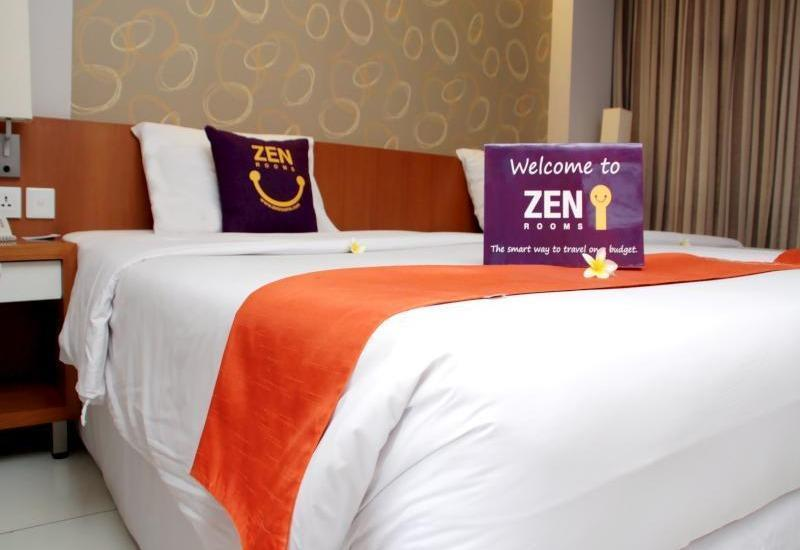 ZenRooms Kuta Sunset Road - Double Room with Breakfast Regular Plan