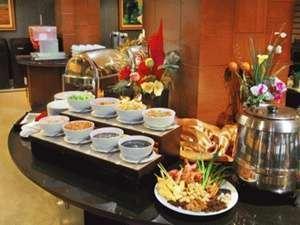 Hotel Orchardz Industri Jakarta - Makanan