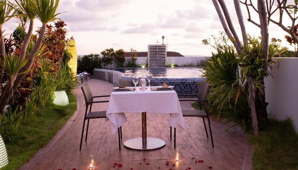MaxOne Hotel  Seminyak - makan malam romantis