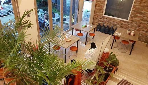 Ahira Guest House Syariah Jakarta - Interior
