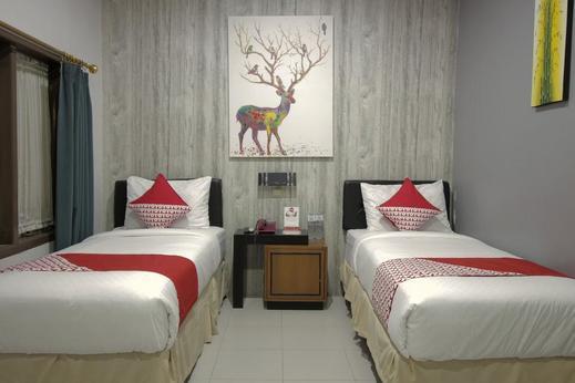 OYO 237 Arwiga Near RS Hasan Sadikin Bandung - Bedroom
