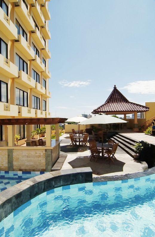 Pandanaran Simpang Lima Semarang - Outdoor Pool