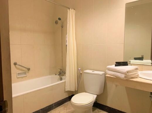 Hotel Baron Indah Solo - Kamar mandi Bathub