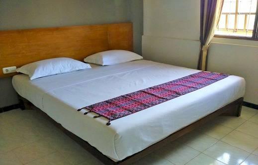 Santo Guest House Surabaya - Kamar tamu