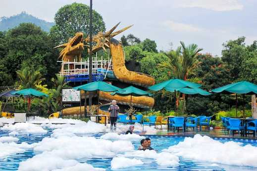 The Jhons Aquatic Resort Cianjur - Foam Party